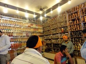Punjabi juttis